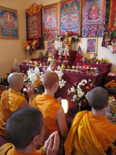 Buddhist nuns practicing confesion