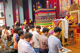 His Holiness Penor Rinpoche giving Refuge Vows to students in Taiwan