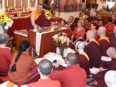 Ven. Lama Dondrup Dorje teaching at the Pathgate Summer Retreat