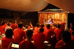 Ven. Lama Dondrup Dorje compassionately giving teachings and answering questions late into the evening