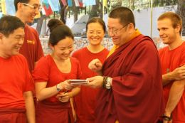 Venerable Lama Dondrup Dorje giving explanation to students