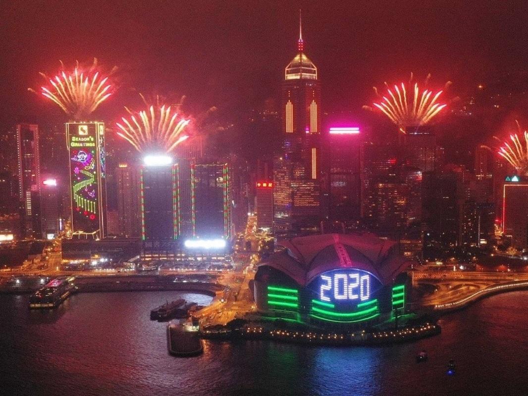 Focuri de artificii în Hong Kong pentru celebrarea venirii anului 2020