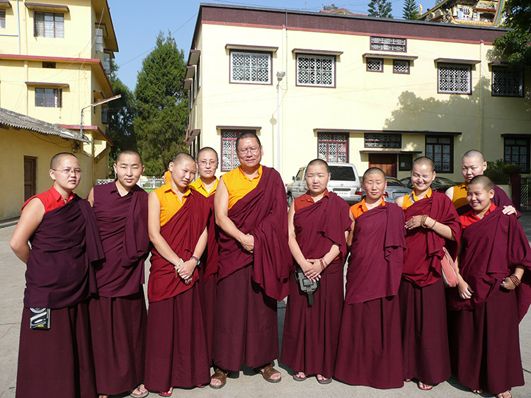 Lama Dondrup Dorje Rinpoche with Mongolin nuns studying at Namdroling in India