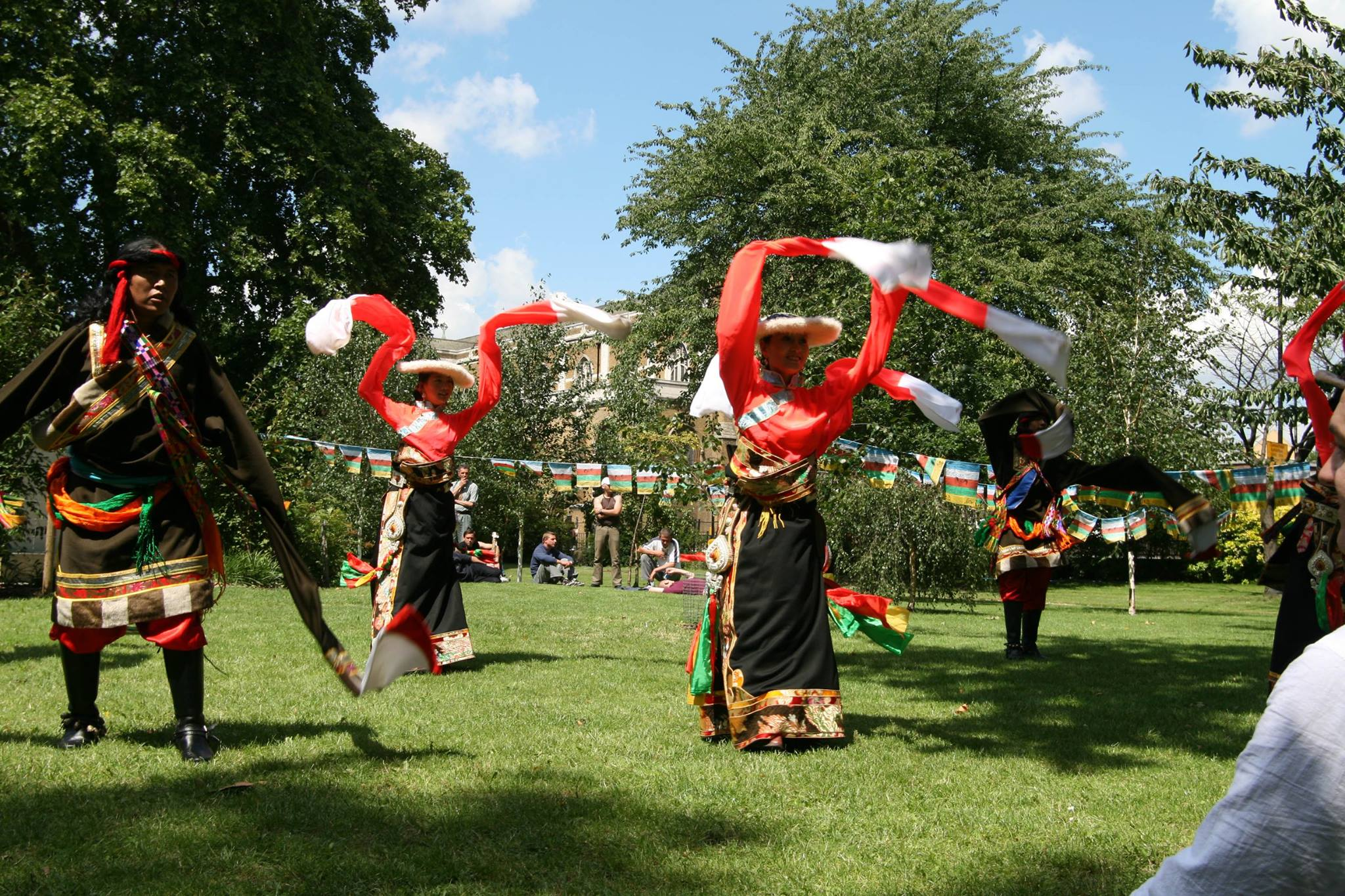 Serthar Gesar Art Troupe performed at the Tibetan Peace Garden