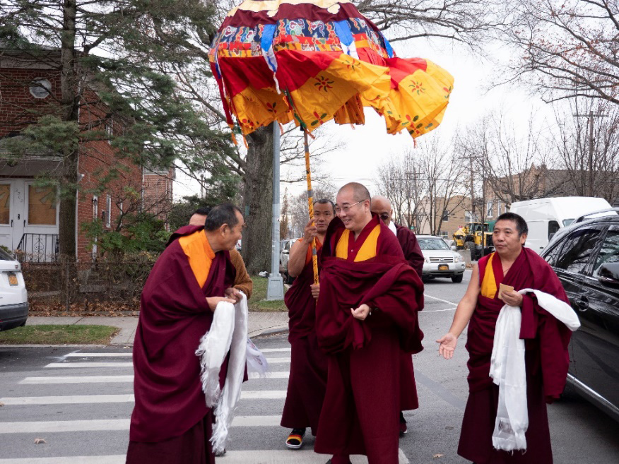 Chogtrul Gyangkhang Rinpoche arriving for the opening of the new Palyul Center