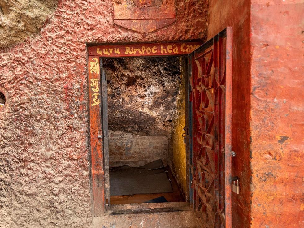 Yanglesho cave, Pharping