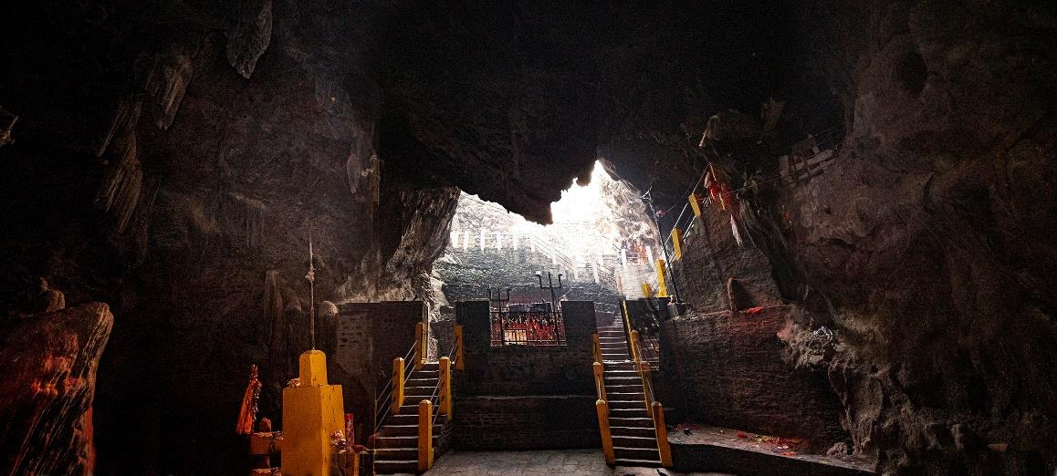Inside the Maratika cave