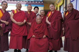 Kyabje Taklung Tsetrul Rinpoche and esteemed companions