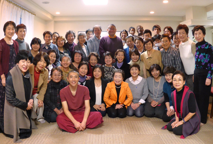 Ven. Lama Dondrup Dorje with students in Osaka, Japan