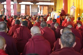 Togden Rinpoche giving transmission