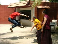 Lama Dondrup Dorje demonstrating Fa Qi in Mysore, India